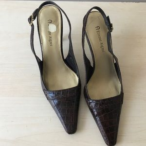 Etienne Aigner Brown Slingback Heels Pointed Toe 6